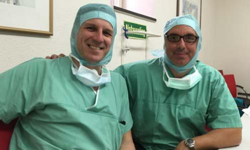 Prof. F Thorey και ο Dr. Γιώργος Γκουδέλης, χειρουργική ισχίου ελάχιστης επεμβατικότητας ATOS Clinic Χαϊδελβέργη, Γερμανία 2015