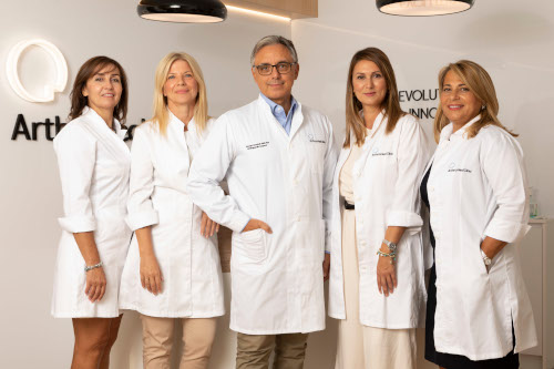 ArthroHeal Clinic team